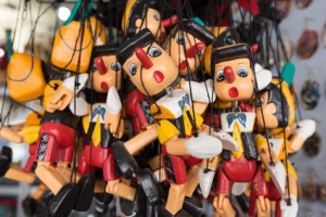 Set of wooden pinocchio puppet dolls